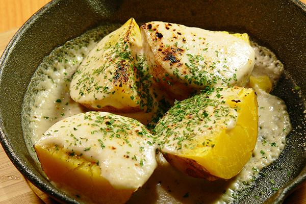 ホクホクじゃが芋の四種のチーズ焼き